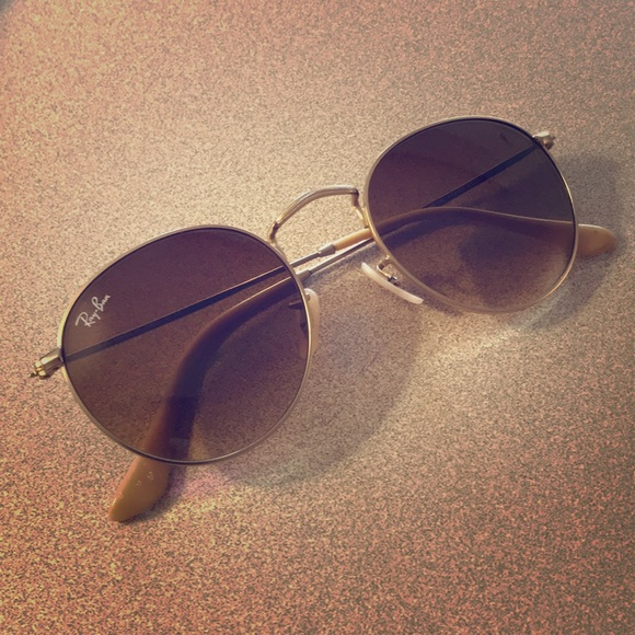 6c083d648eda Ray-Ban Round Metal sunglasses. M 5a90423d5512fdd8c4a8709d. Other  Accessories ...